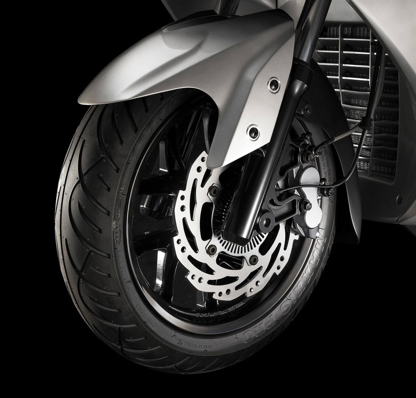 Sym GTS 125 Motorrad, neu
