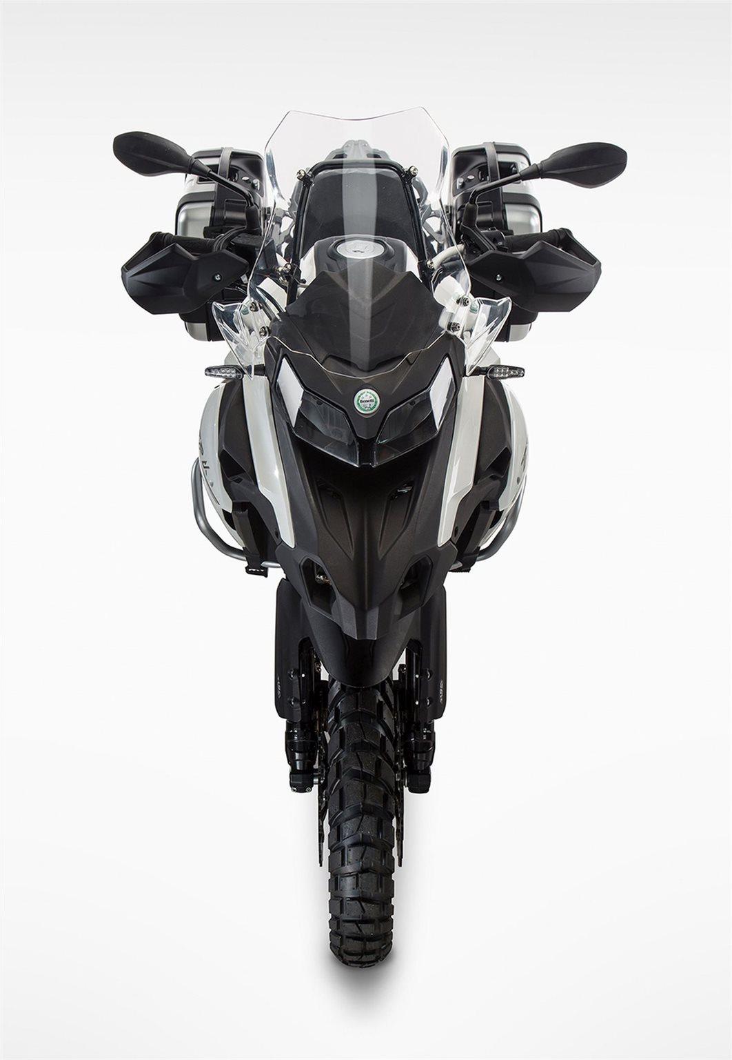 Benelli TRK 502 Motorrad, neu